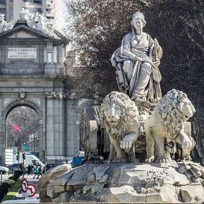 Free Tour Logroño de los Borbones - visita guiada gratis madrid de los borbones Fuente de Cibeles - ALT Tomas G Santis